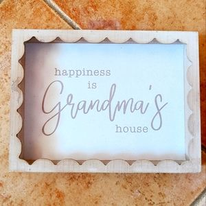 """👩🦳NWT‼️ """"happiness is GRANDMA'S house"""" Sign"""